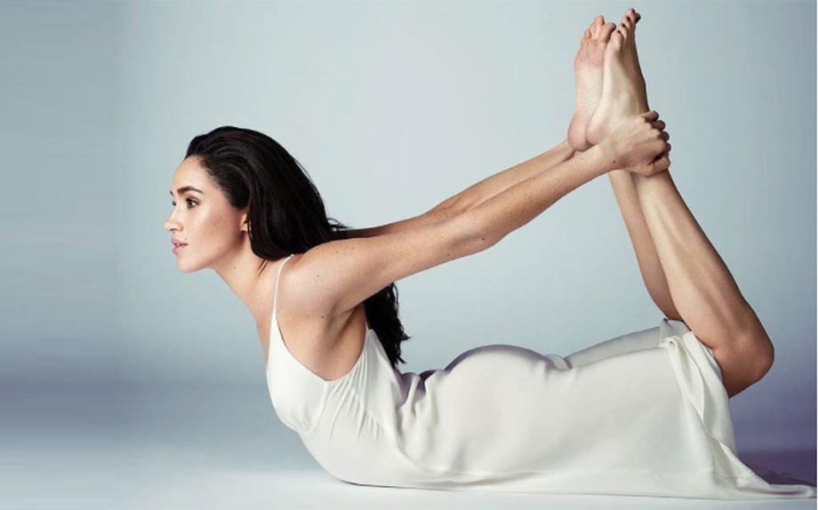 5 stelle che fanno yoga